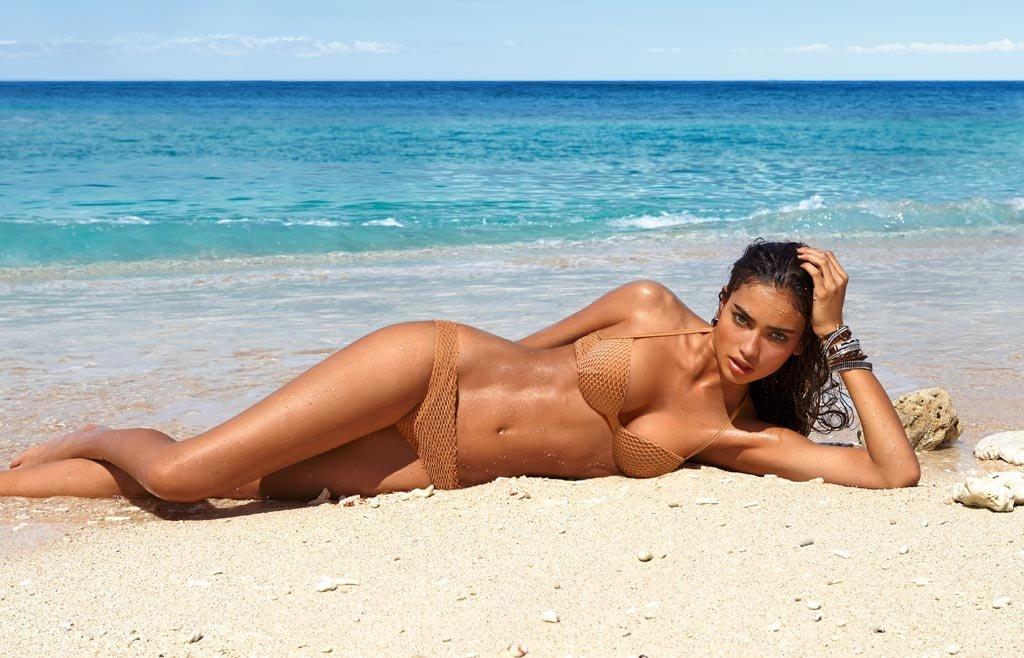 девушки на пляже болгарии смотреть видео онлайн - 5