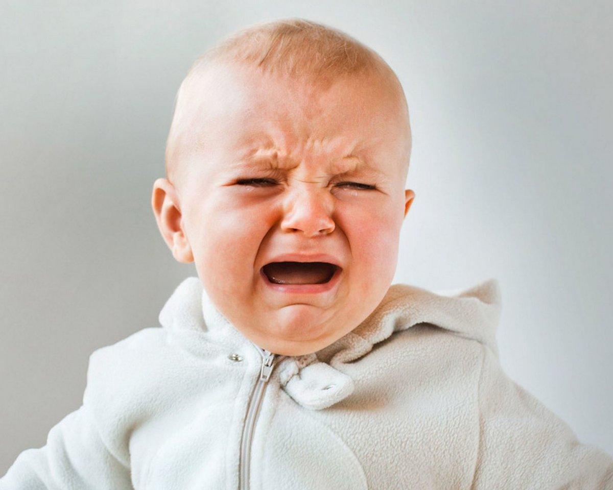 Картинка плачущего ребенка прикольная
