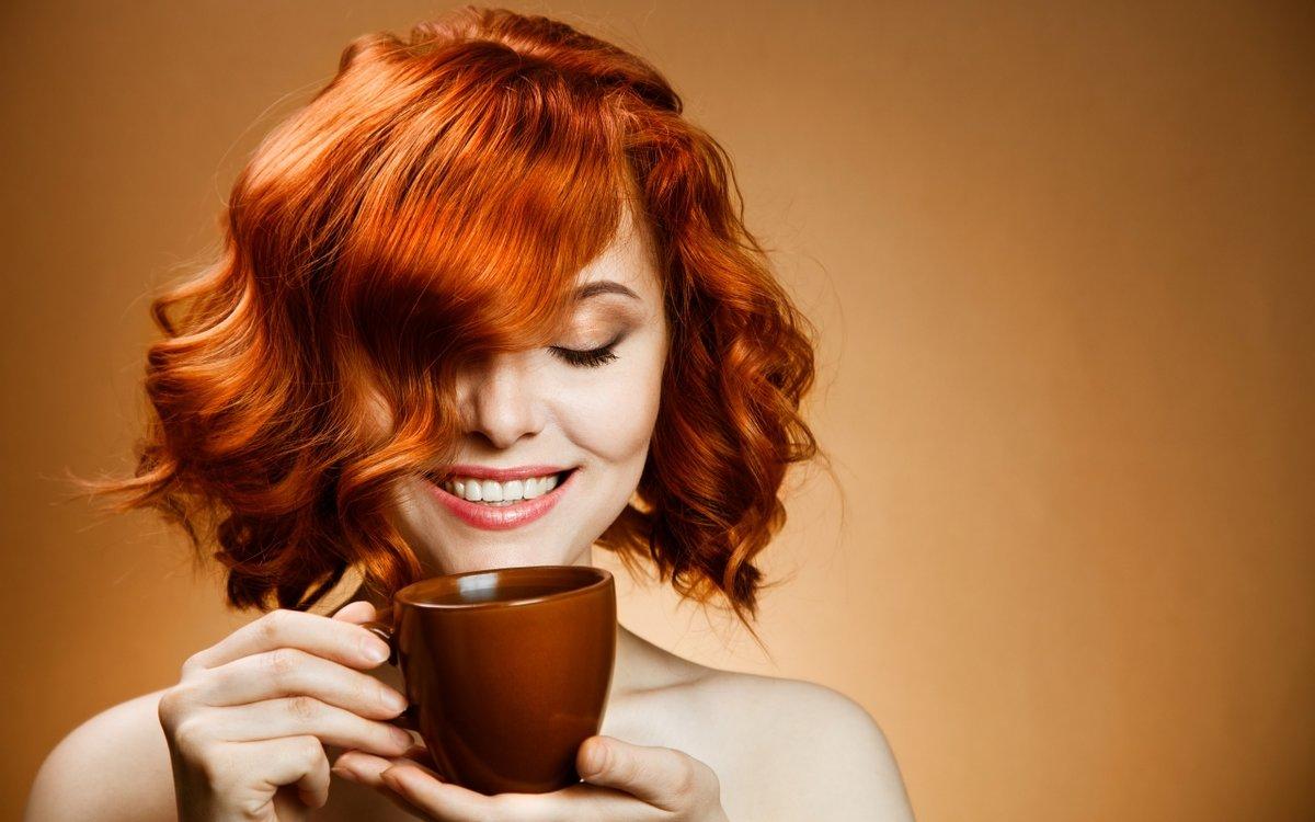 Открытки, картинки девушка с чашкой кофе