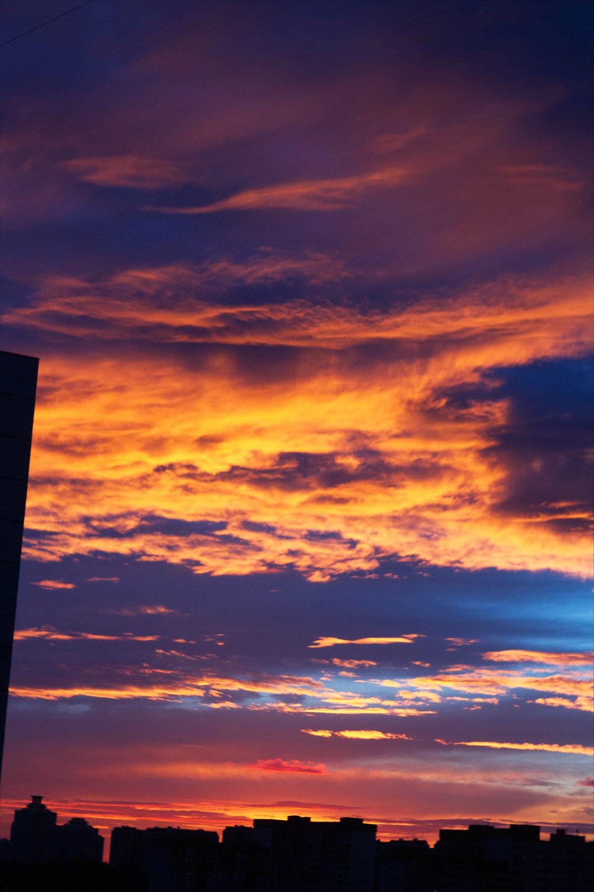 красивая картинка заката в городе области предоставляются