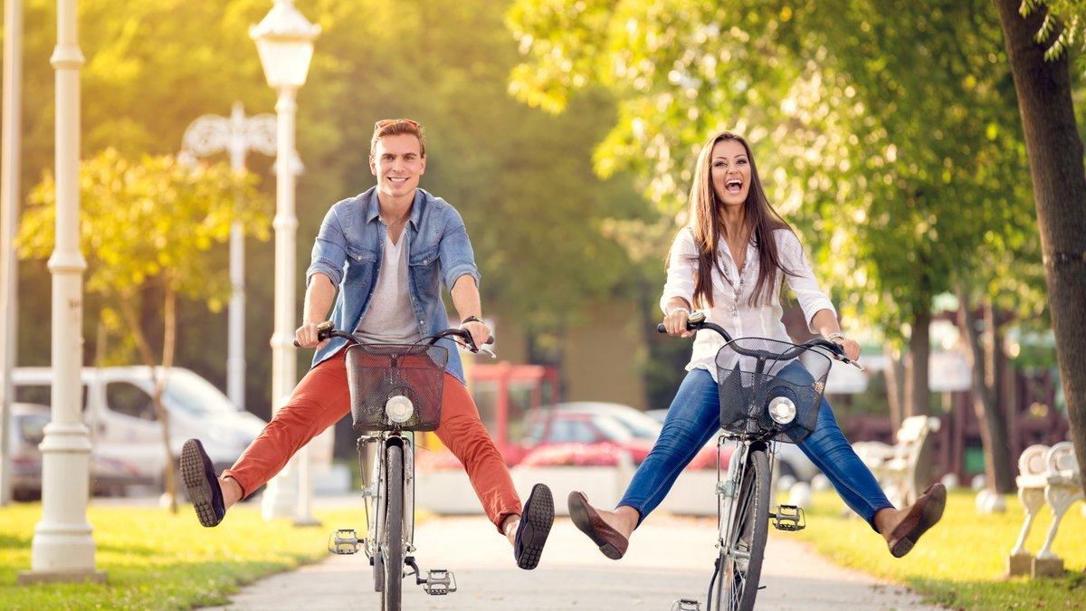 Картинки счастливые люди в городе