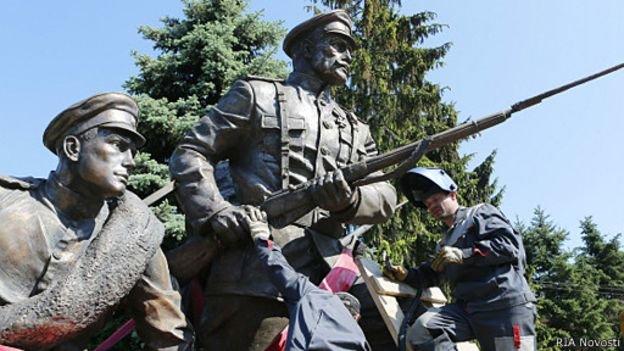 В Калининграде установили памятник российским героям Первой мировой войны