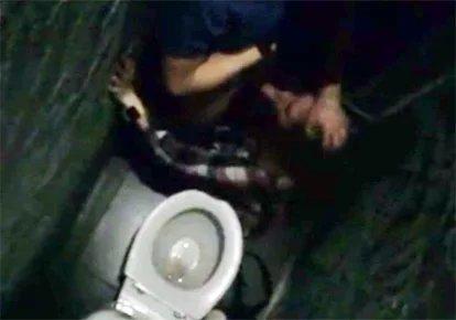 В туалете ночных клубах — 7