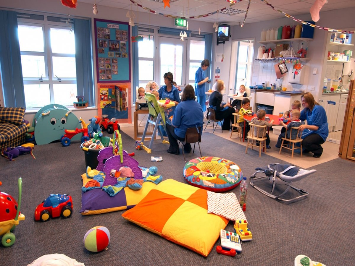 childs day care center - 1000×651