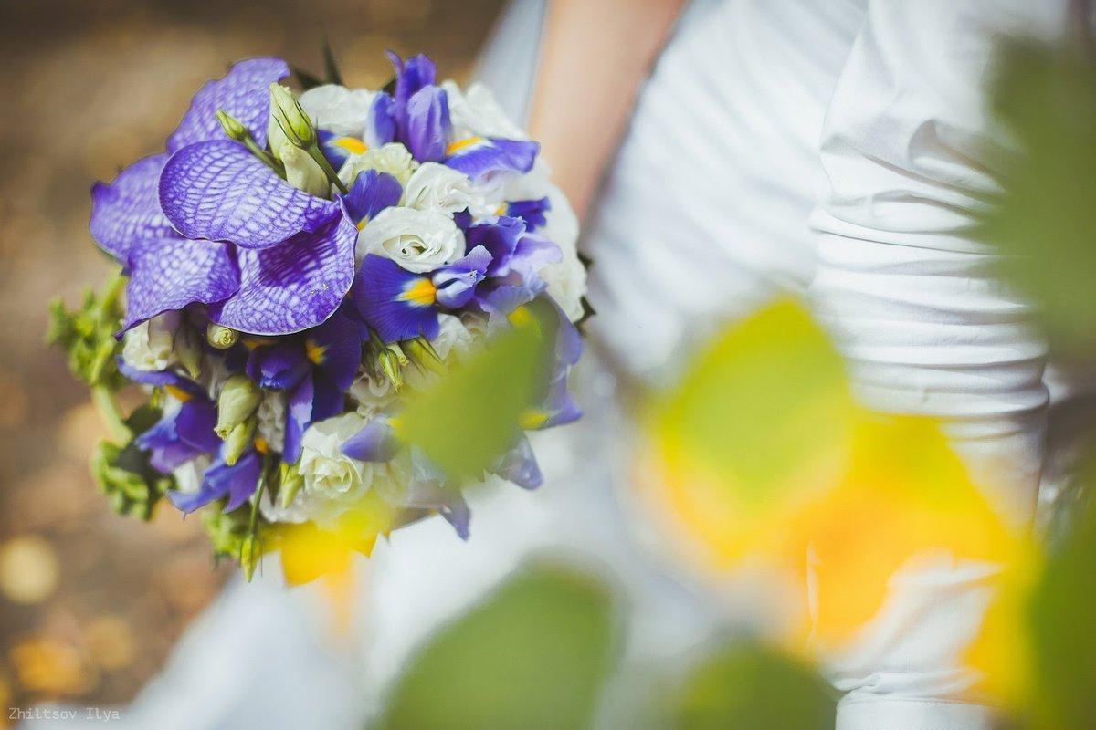 Екатеринбург дешево свадебные букеты ирисы фото