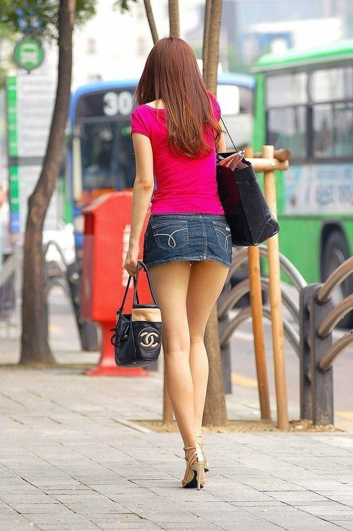Teen teens girls wear short skirts pussy clip