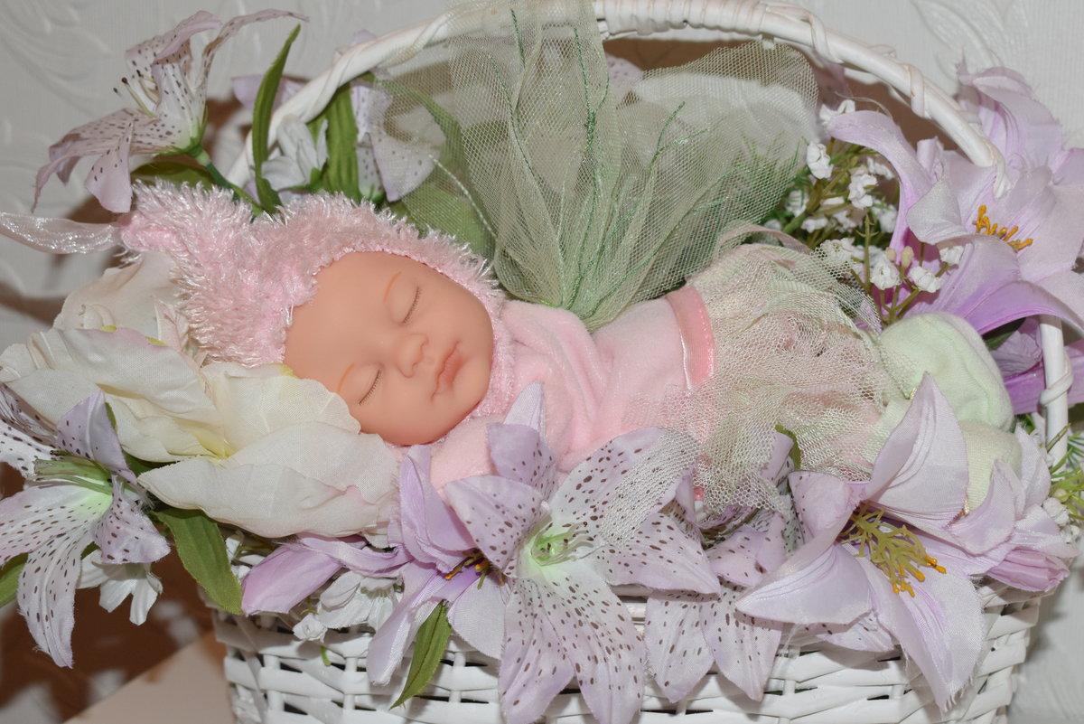 Открытка с новорожденной анной