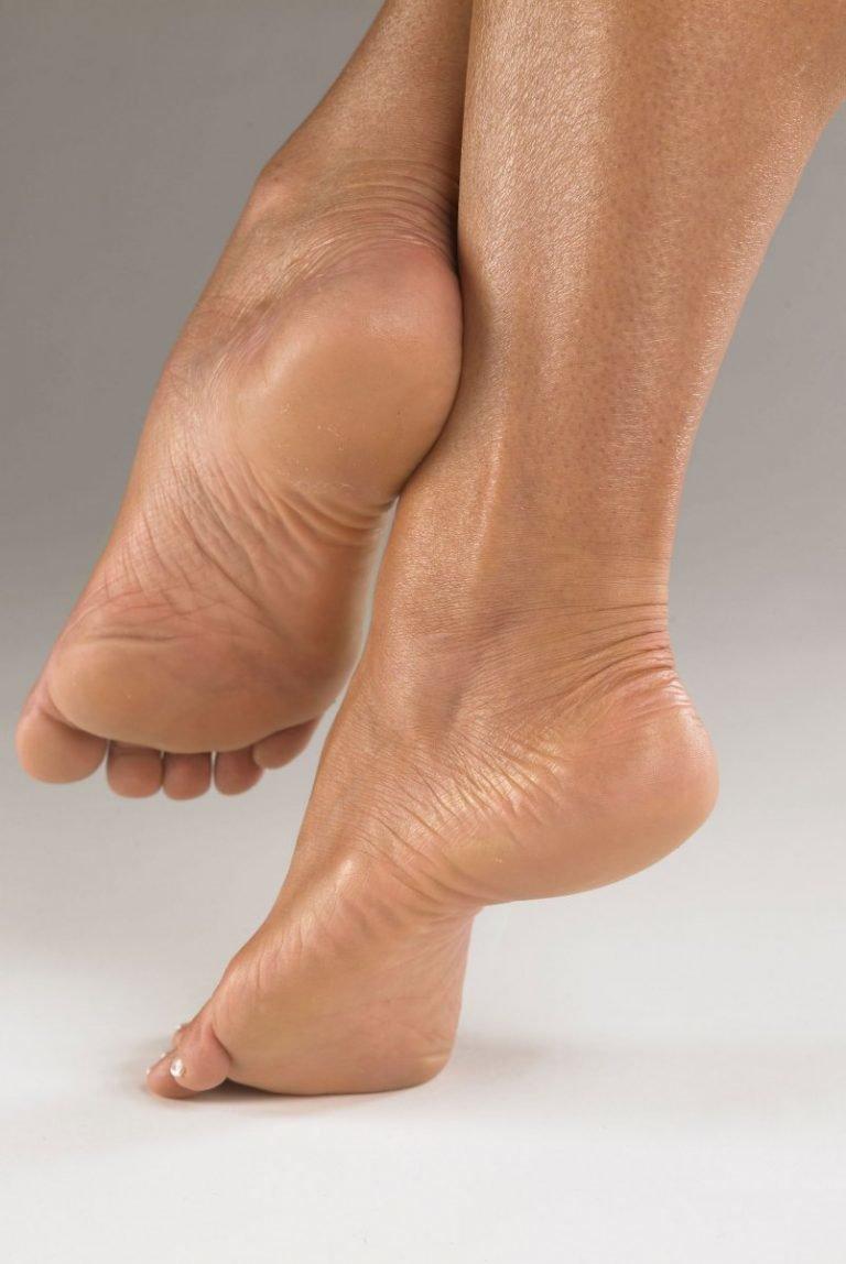 подошвы женских ног фото та