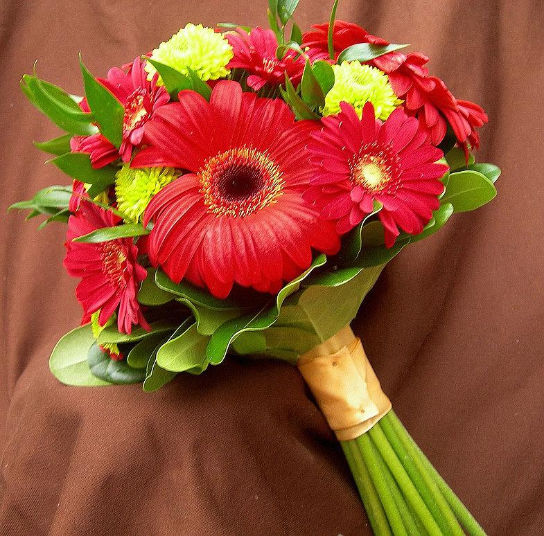 Букет невесты только из герберов, цветов