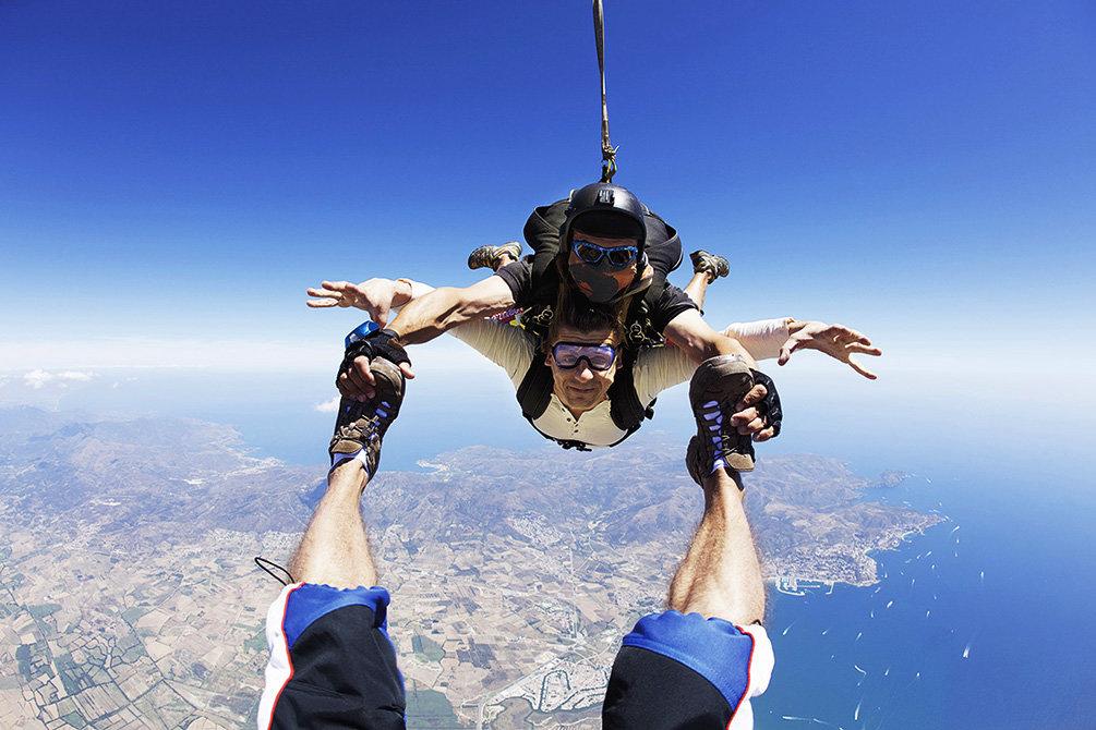 картинки люди прыгают с парашютом этого стоит изучить
