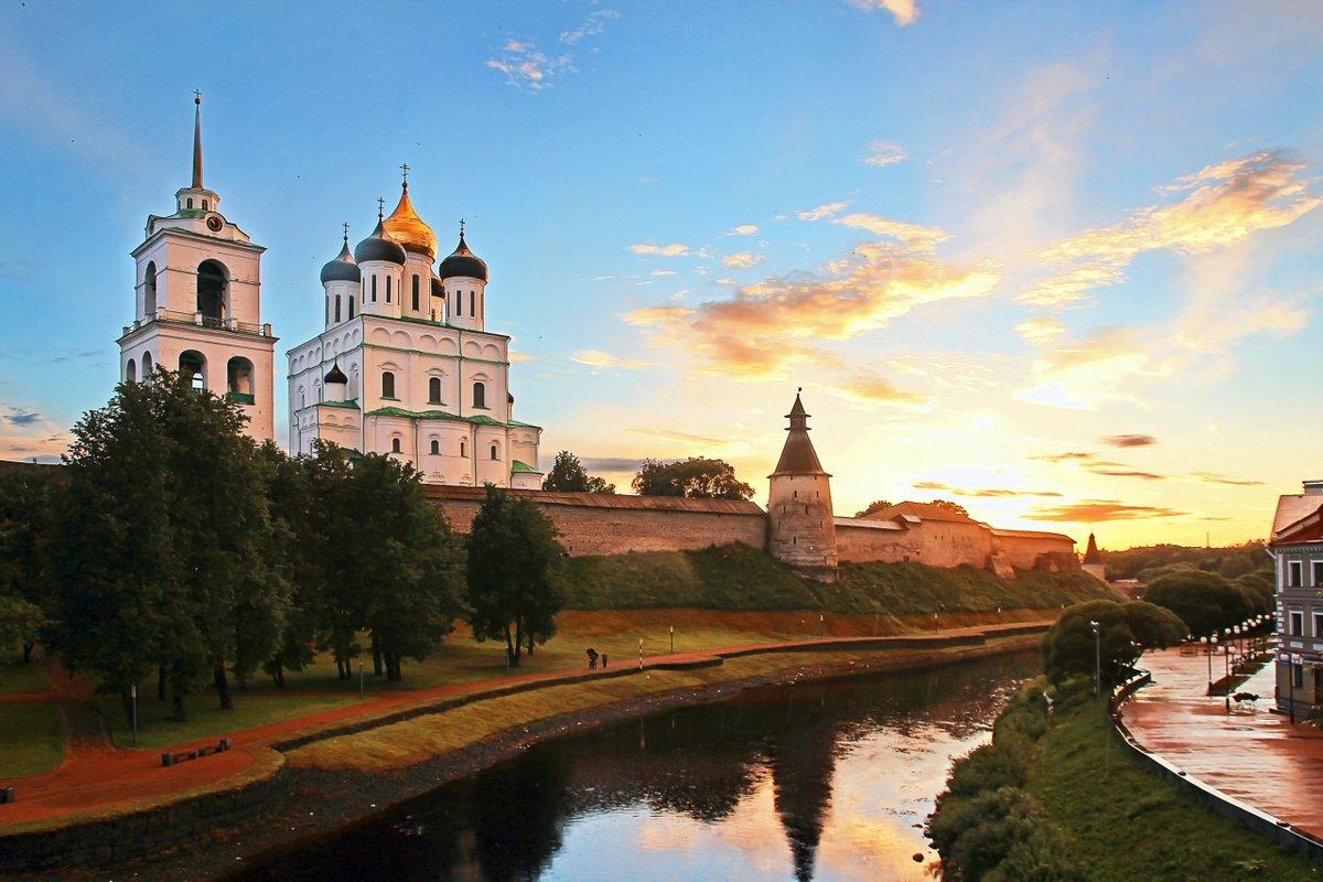 этой картинки псковского собора студентки общаге вспоминают