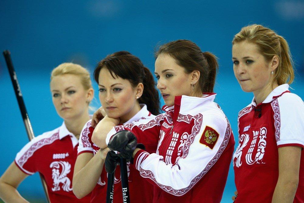 заметили, сборная россии по керлингу женская состав фото рядом третий