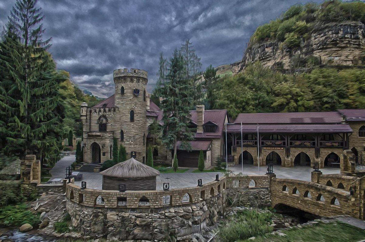 замок коварства и любви легенда фото