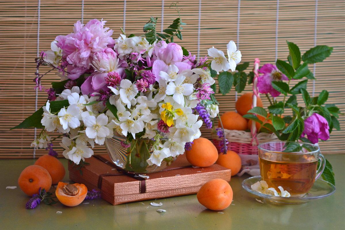 цветы лета в вазах картинки оберег ворона сборное