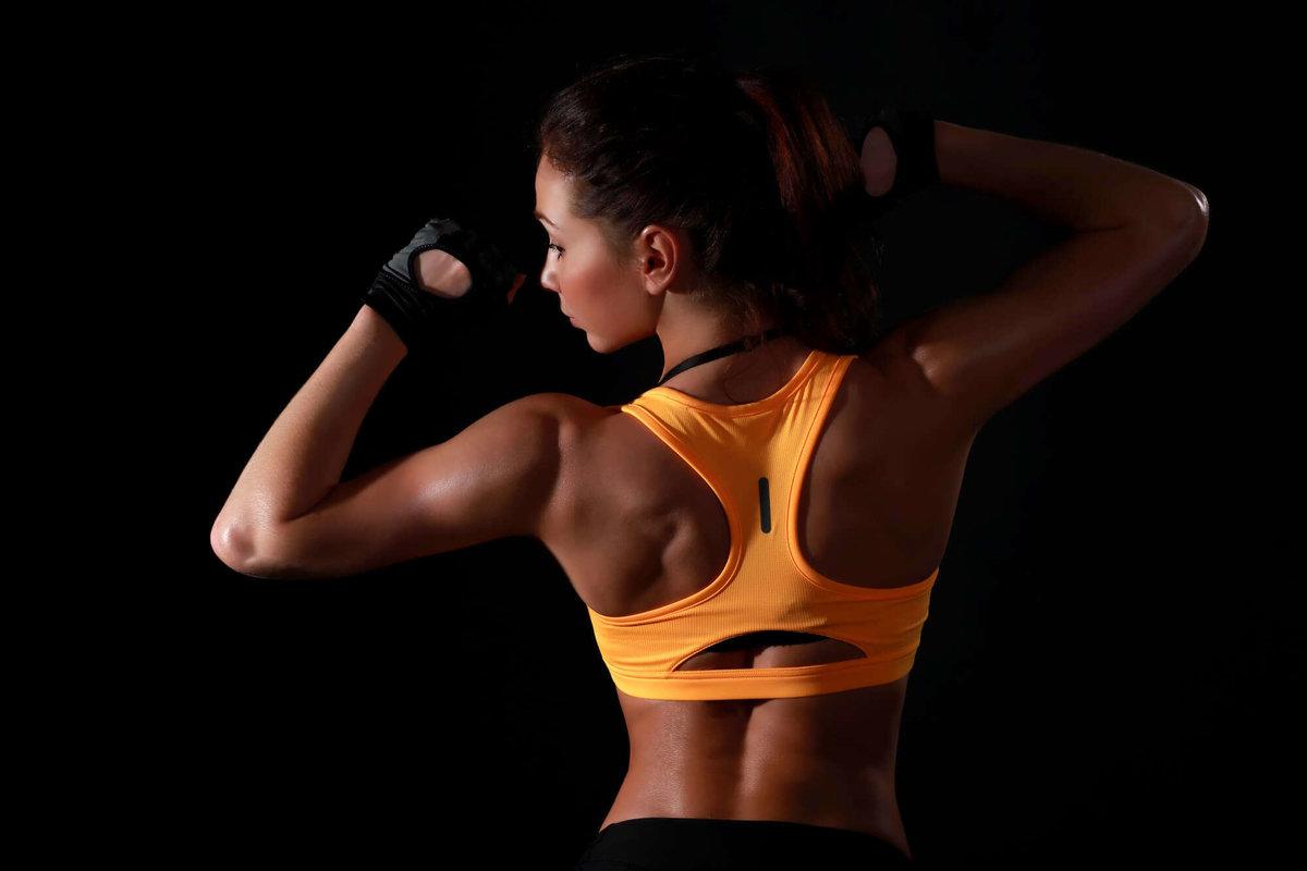 Фото женской спортивной спины
