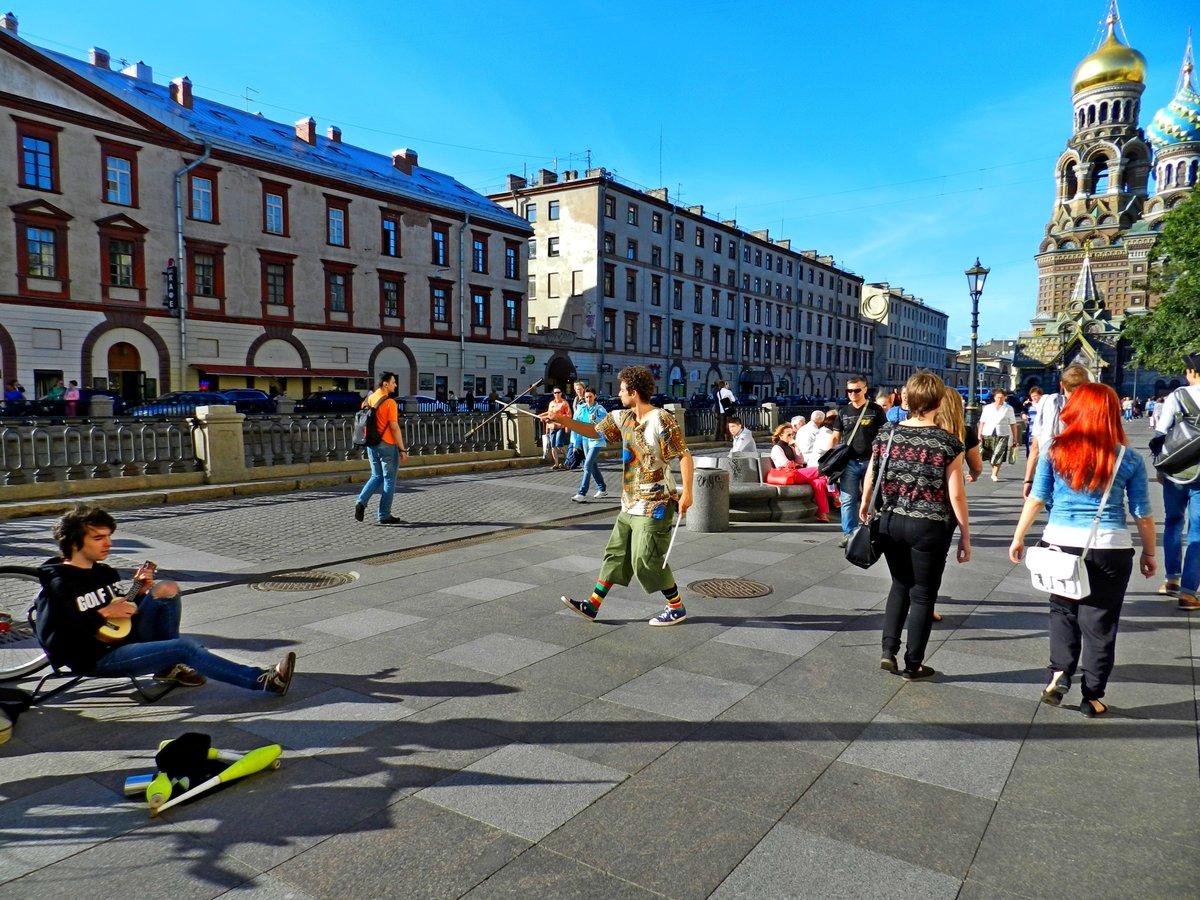 шварценеггер рассказал люди на улицах питера картинки вежливый воспитанный