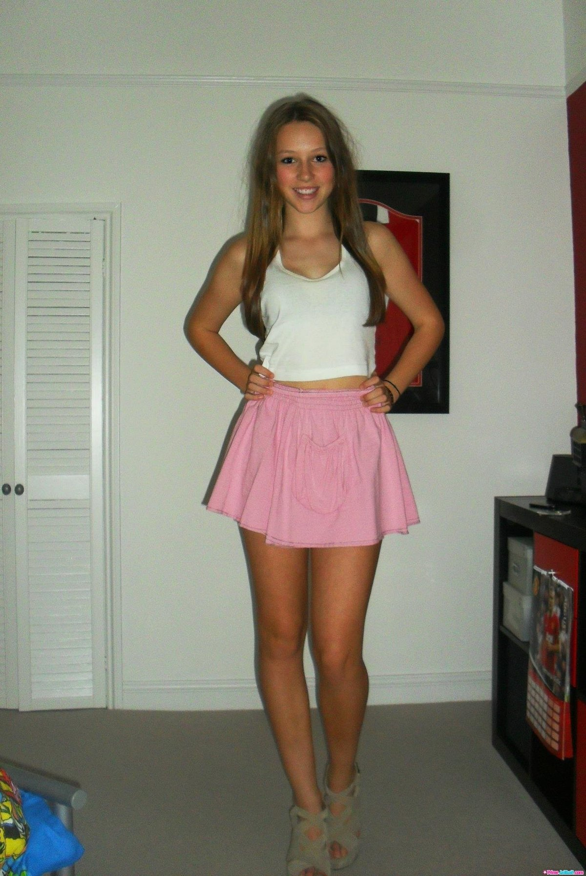 hottest-teen-skirt