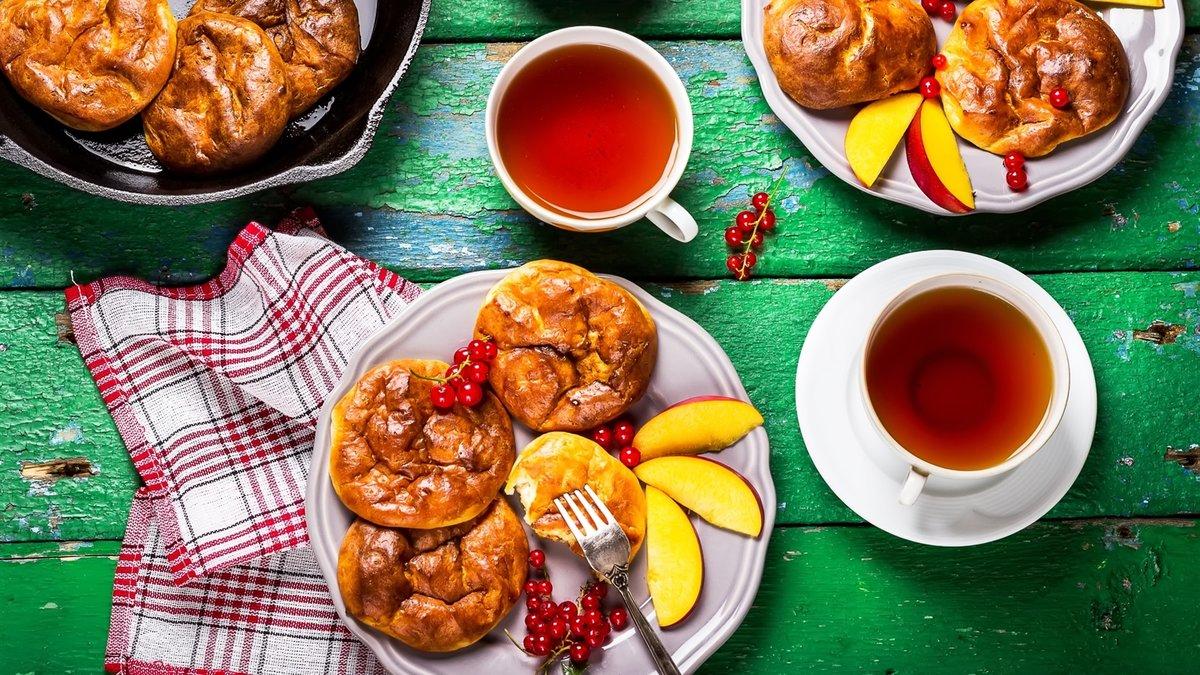 Картинка с пирожками и чаем
