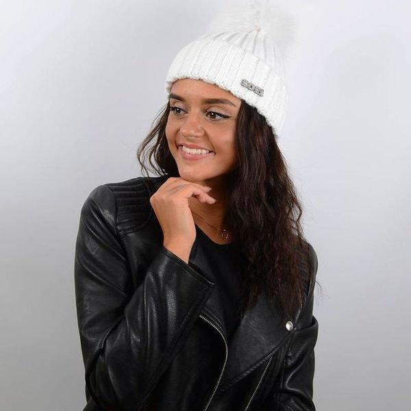 22 карточки в коллекции «Женский образ в шапке с помпоном ... 0fb5f4e0d084c