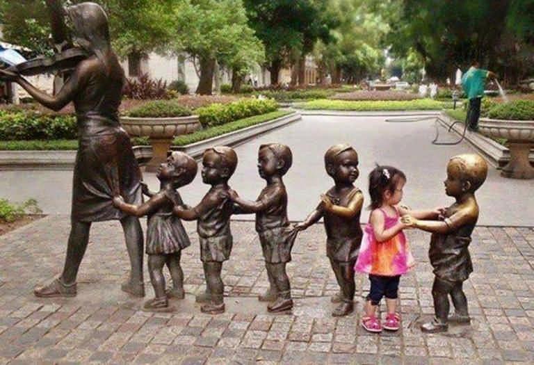 Прикольные картинки статуи, мороженого