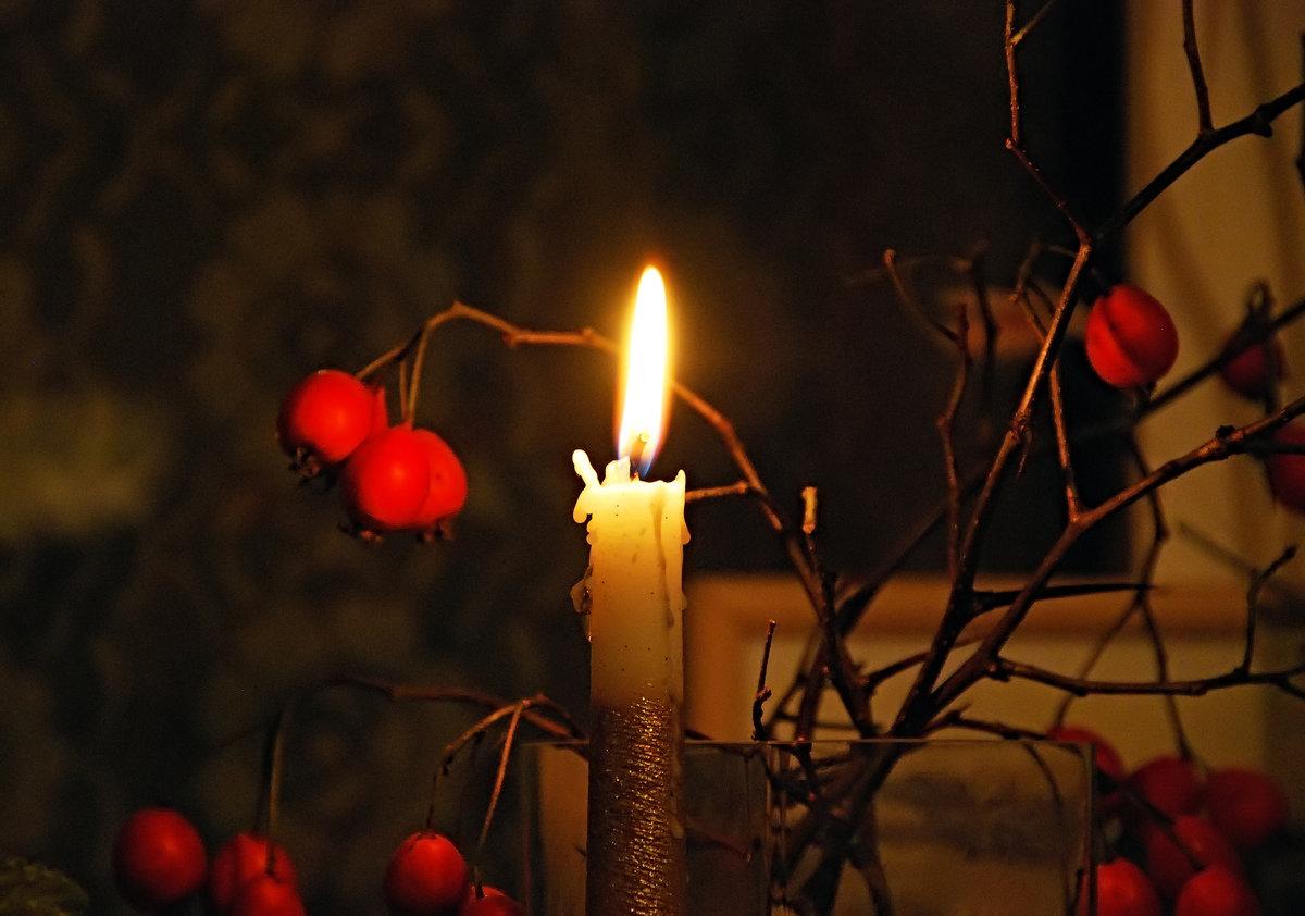 удобств картинка свеча горящая ночью прекрасно
