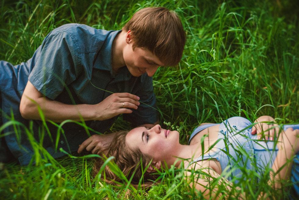 Муж с женой на природе секс мне