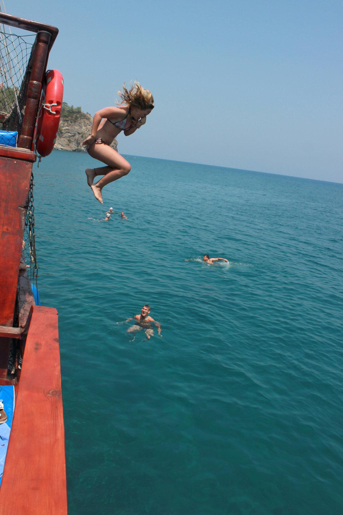 сонник прыжок в воду с корабля