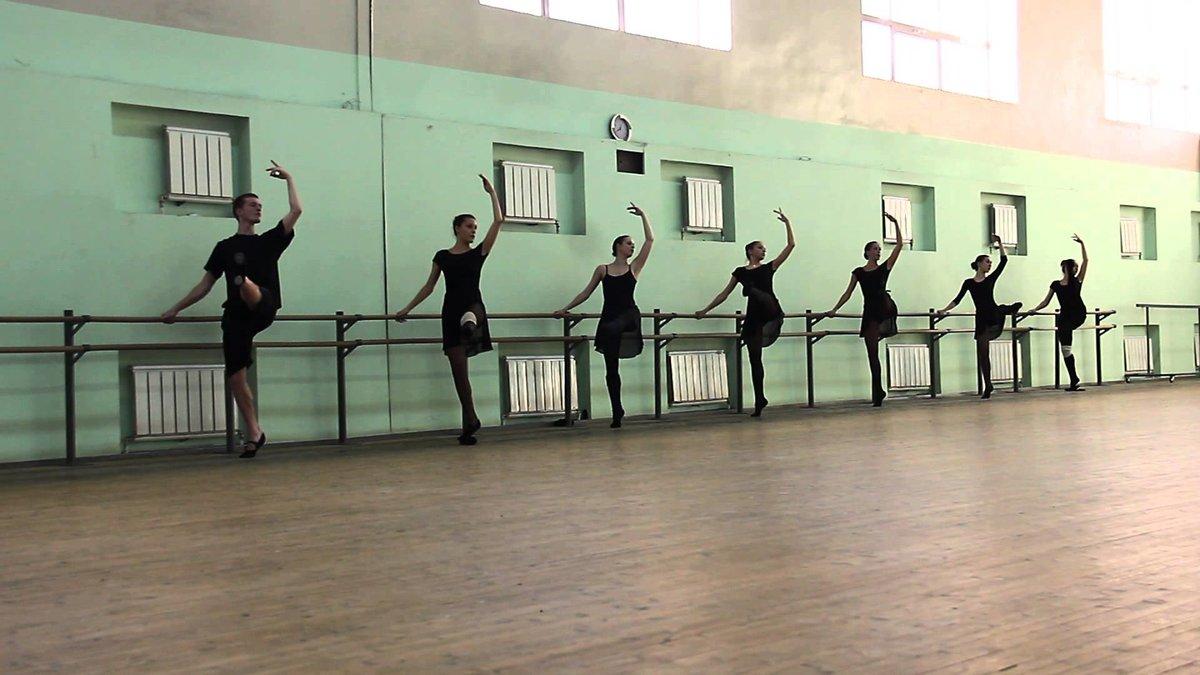 plyazhe-chastnoe-zanyatie-lyubovyu-s-balerinami-video