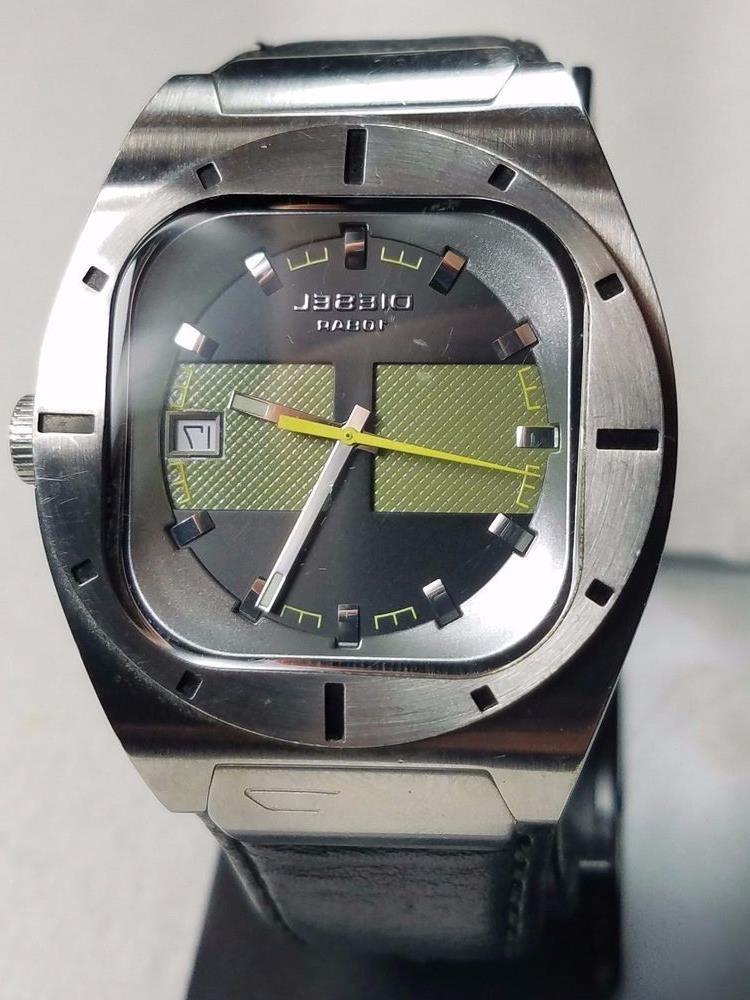 a7d69cf23bdd Часы Diesel 10 Bar в Риддере. Мужские наручные часы - прочее Перейти на  официальный сайт