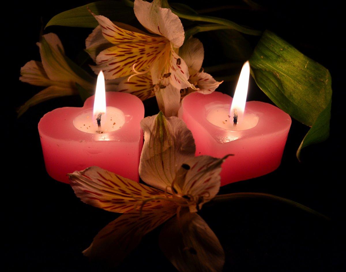 это картинки со свечами с цветами таким сочетанием отлично