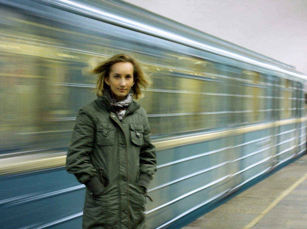 Красивое фото девушек в метро, русское порно жена застала мужа с другом