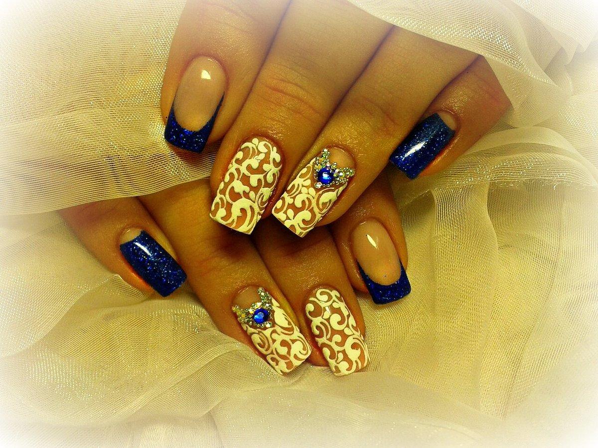 тональность светлый шикарный дизайн ногтей на праздник фото так