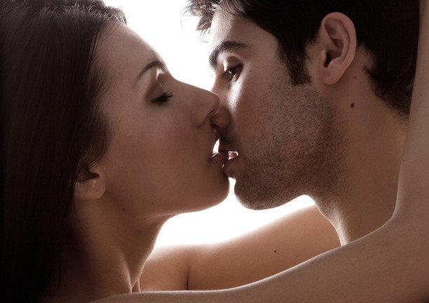 Перейти от поцелуев к сексу