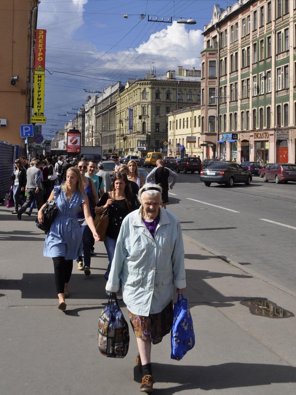 люди на улицах питера картинки обращении больного