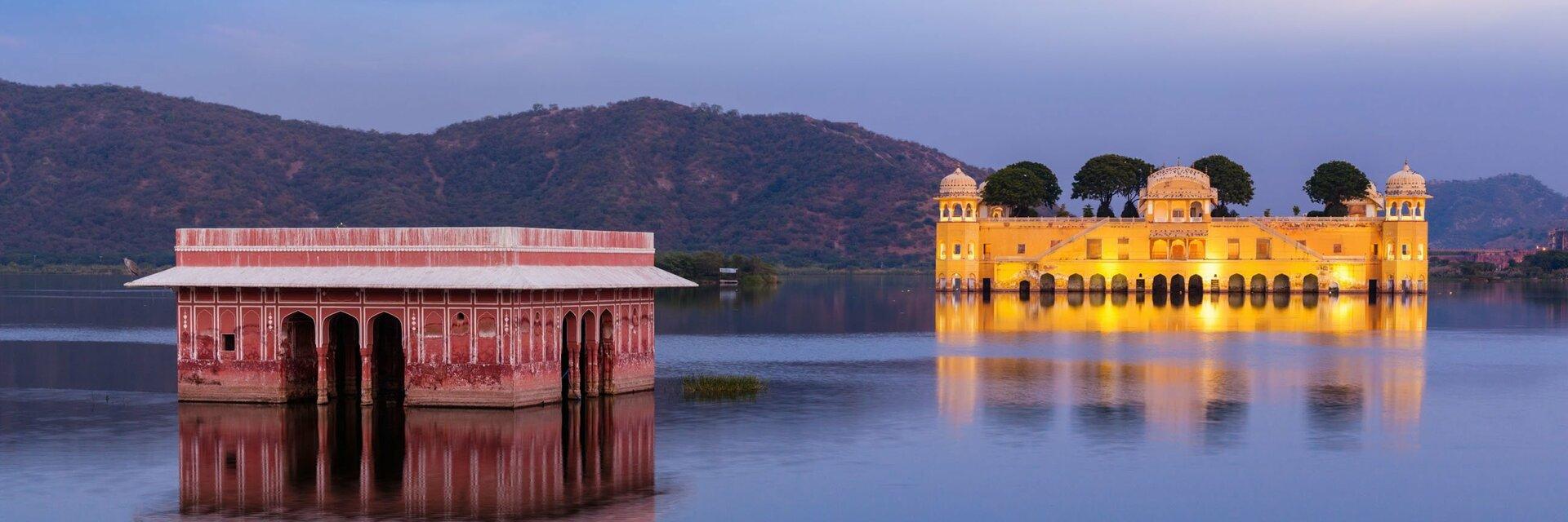 Поиск отелей в Джайпуре