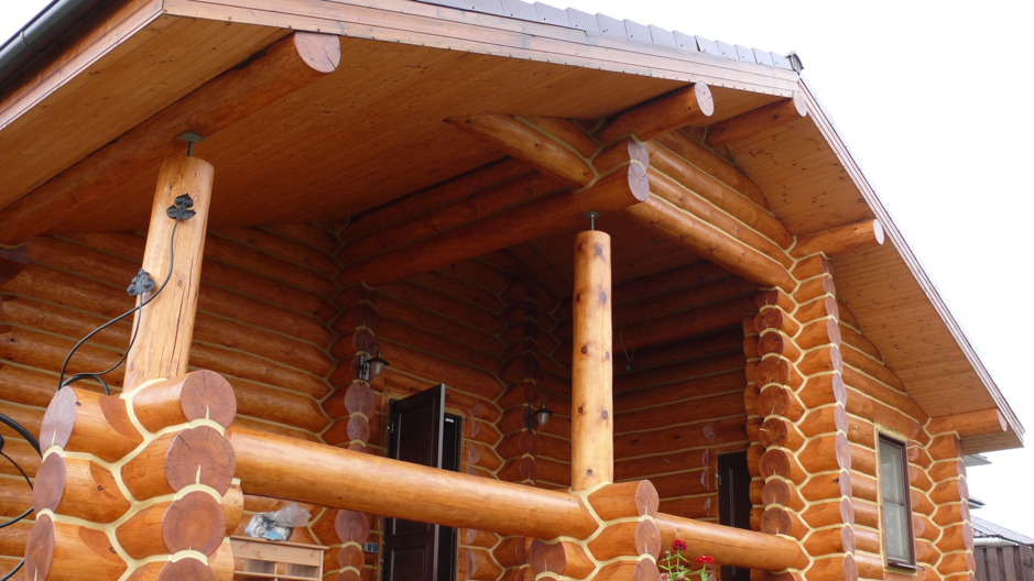 Герметизация строений из дерева предотвращает выделение тепла из помещения, тем самым экономя вам ресурсы на отопление. Создайте комфортные условия!