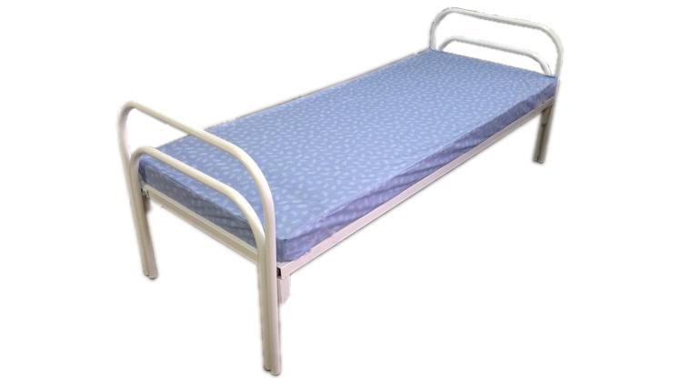 Металличенская кровать  80х190  может быть укомплектована матрасом ватным, пружинным или ППУ (поролон). Уточните цену в зависимости от типа матраса