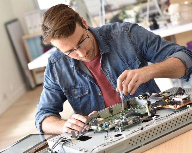 Вы можите выбрать где ремонтировать технику у Вас дома или в сервисном центре.