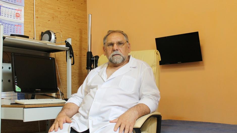 Ведущий вебинара кандидат медицинских наук Кулеш С. И. Врач психолог-аддиктолог. Практикующий психотерапевт с огромным опытом.