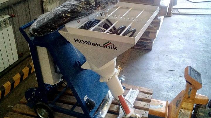 Штукатурная станция RDMehanik   аналогичная станция PFT Ritmo l  описание в инструкции работает от любой розетки  двигатель на 220 вольт