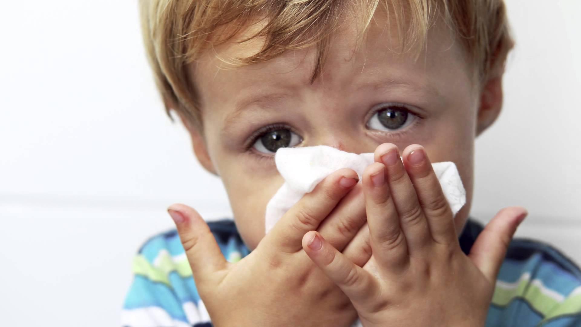 Картинки чихающих детей