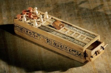 Настольная игра фараона Тутанхамона (раритету 3000 лет) / Фото: ©mixnews.lv
