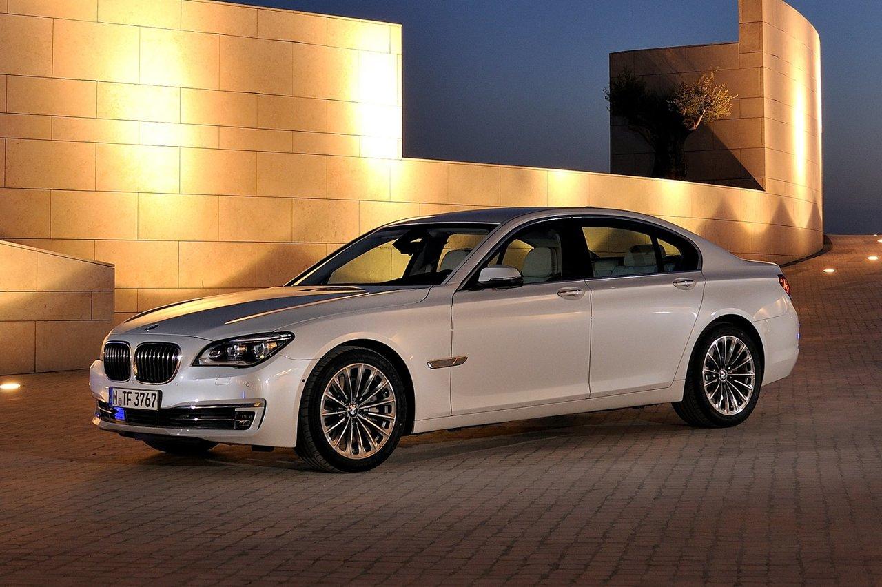 BMW 7 серии 2012 - 2015, 5 поколение (F01/F02/F04 ...