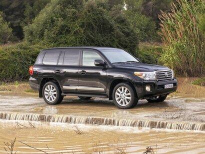 Купить Toyota Land Cruiser пробег 185 600.00 км 2012 год выпуска