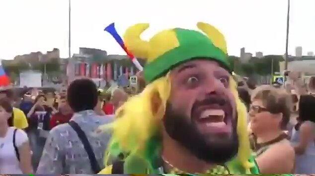 Бразильский болельщик кричит на русском языке. Видео прикол
