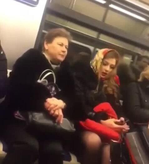 Богиня в метро. Видео прикол