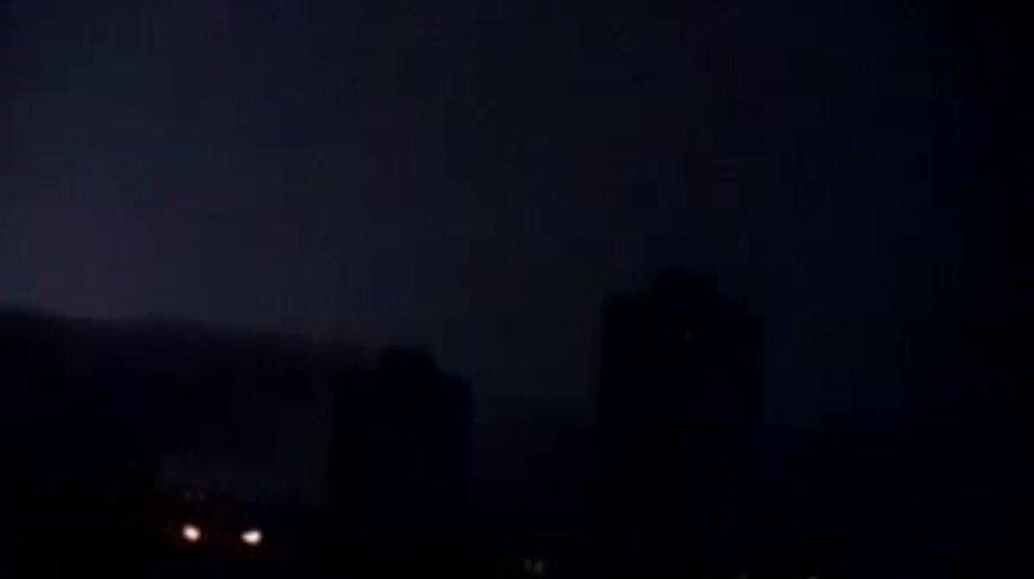 Молния попала в дом. Видео прикол