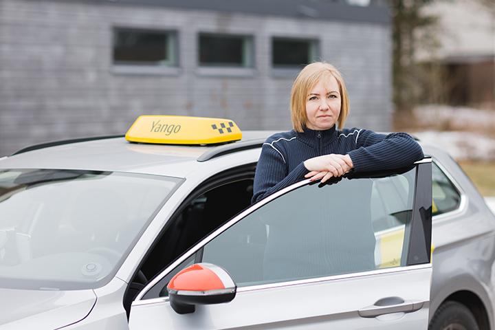 Работа водитель такси девушка работа в урень