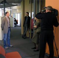 Аркадий Волож дает интервью одному из телеканалов