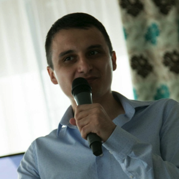 Владимир Юнев